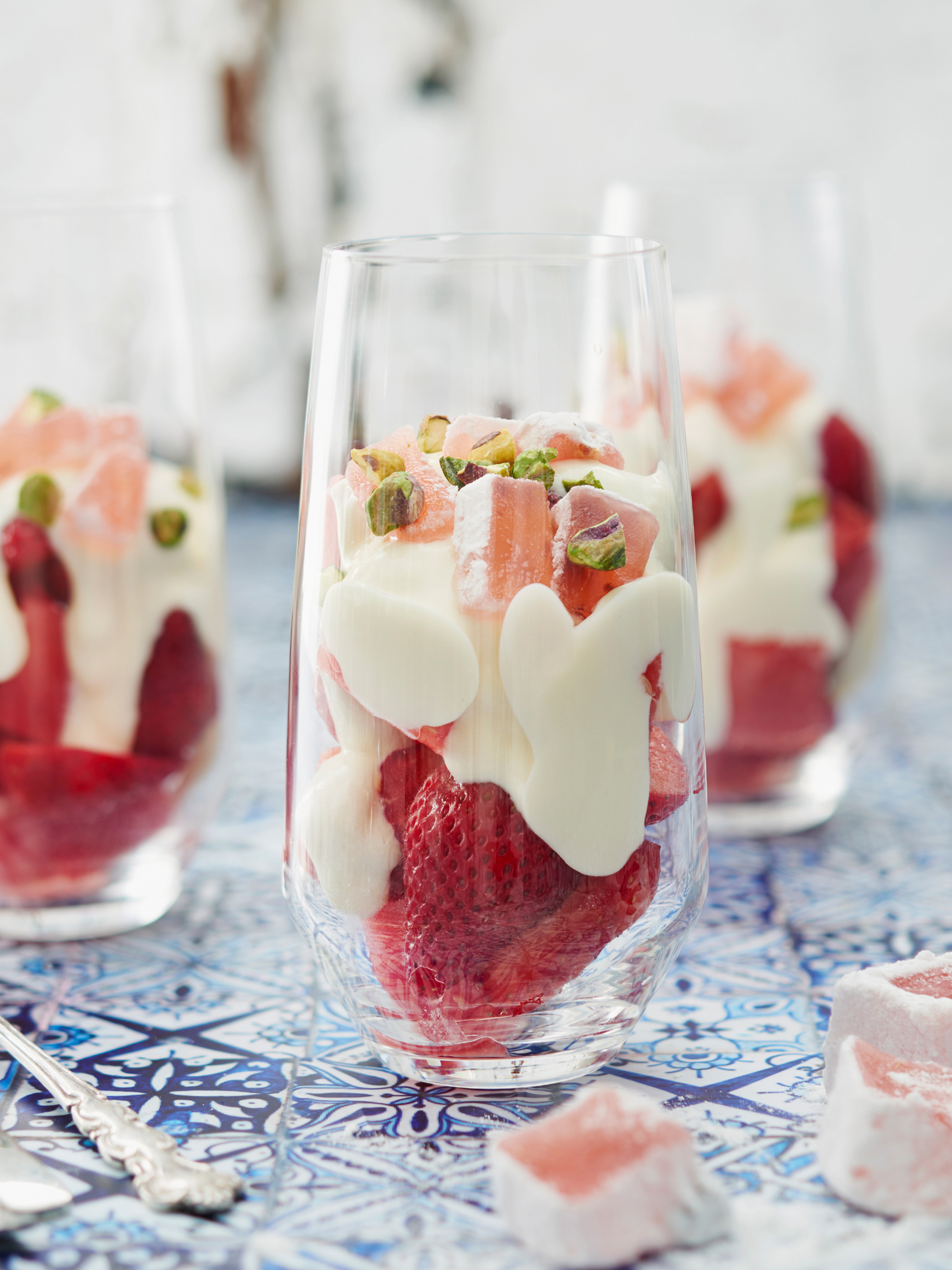 Quick PHILLY Pink and White Parfait