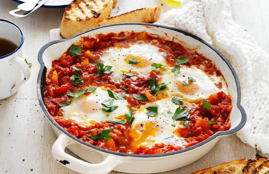 Tomato and Capsicum Pan Eggs