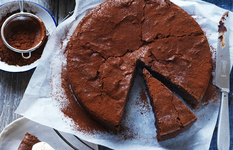 Decadent and rich chocolate cake recipe