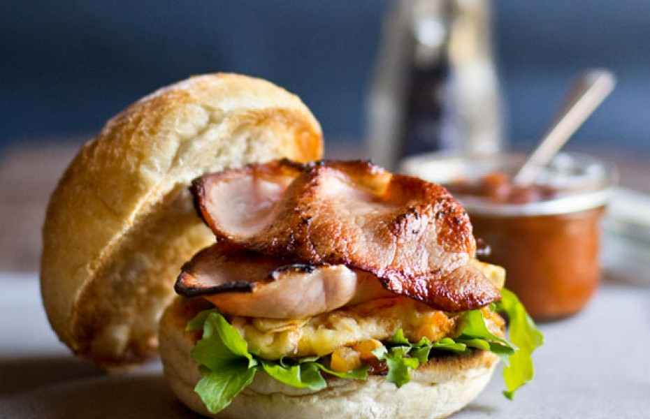 Bacon and Cheddar Omelette Breakfast Burger Recipe