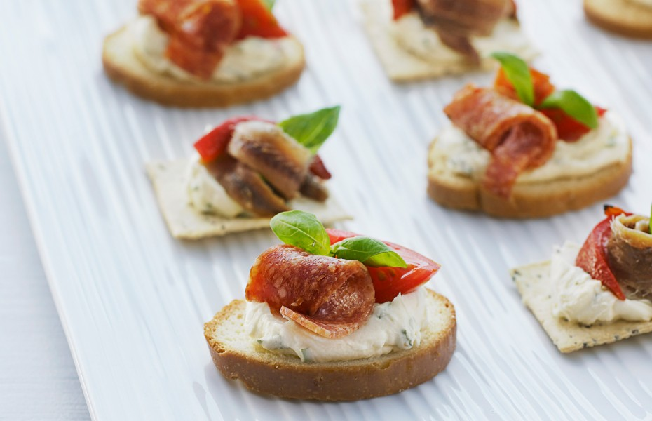 Mediterranean Mini Toasts