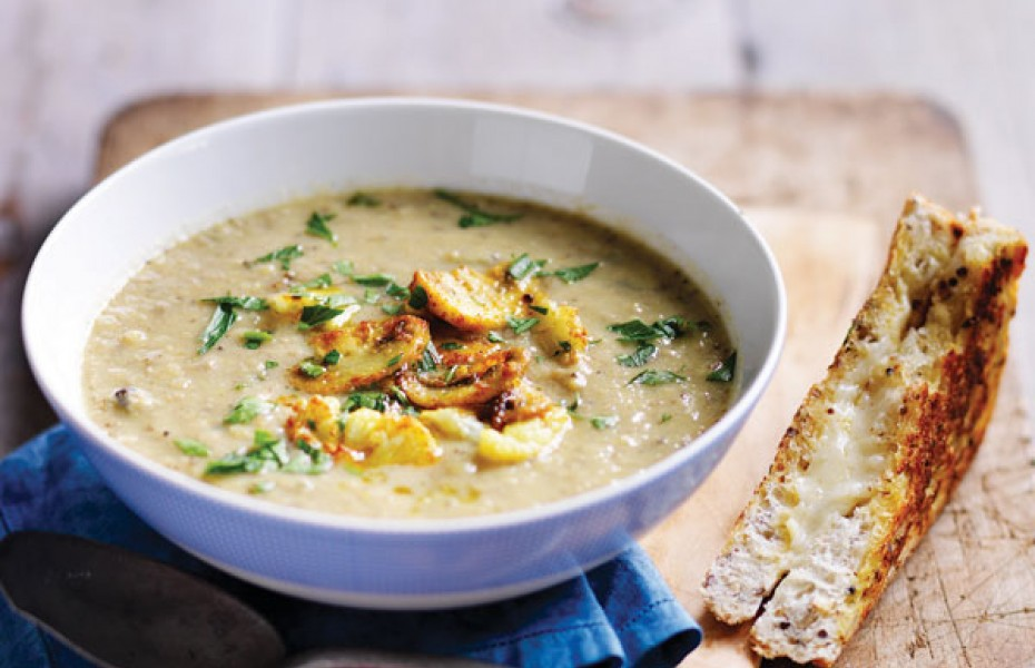 Roasted Mushroom & Cauliflower Soup