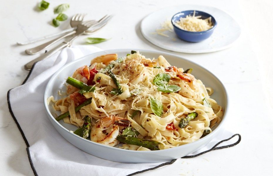 Asparagus and Tomato Fettuccine with Prawns and Lemon Herb Butter
