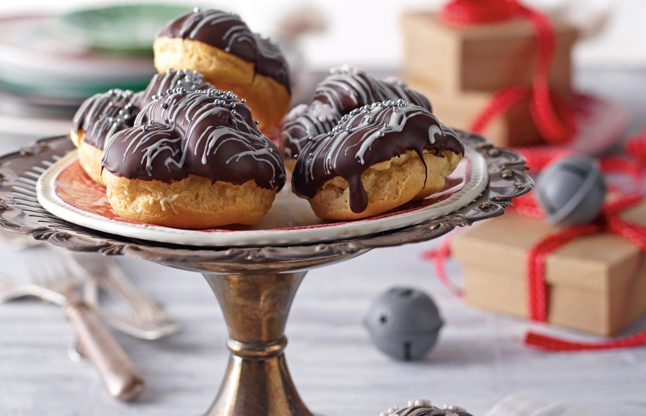 Kahlua Custard Profiterole recipe