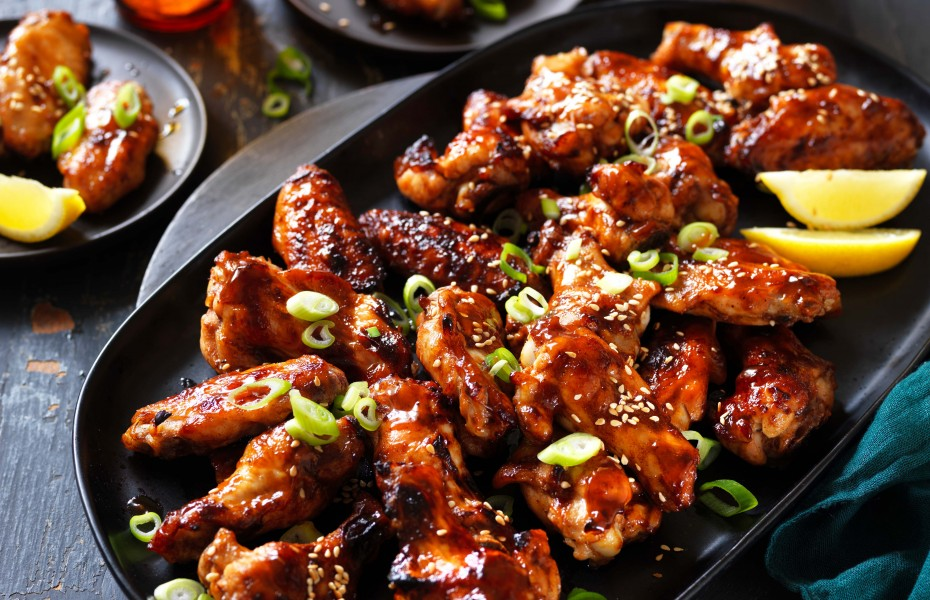 Sticky Hoisin and Garlic Chicken Wings
