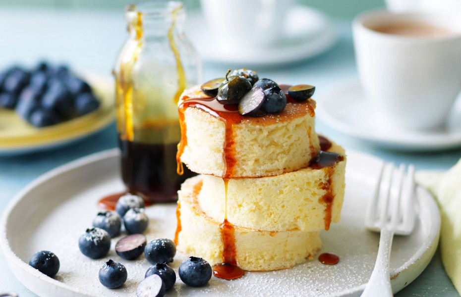 Fluffy Japanese soufflé pancakes
