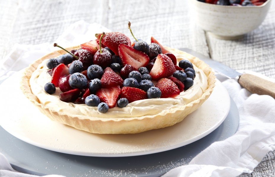 Berry Tart with Spiced Vanilla Cream
