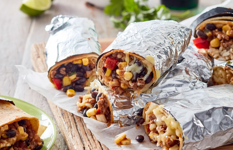 Make this beef burritos recipe for an easy 30 minute dinner recipe. This burritos recipe is a perfect family dinner recipe.