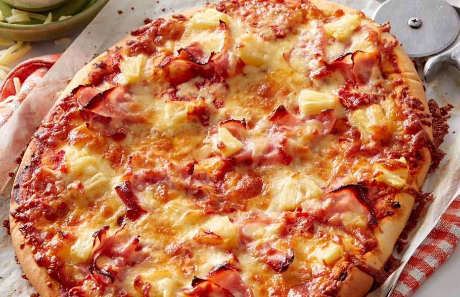 Whether you agree with pineapple on pizza or not, you can't deny the popularity of hawaiian pizza. This homemade hawaiian pizza recipe includes basic pizza dough.