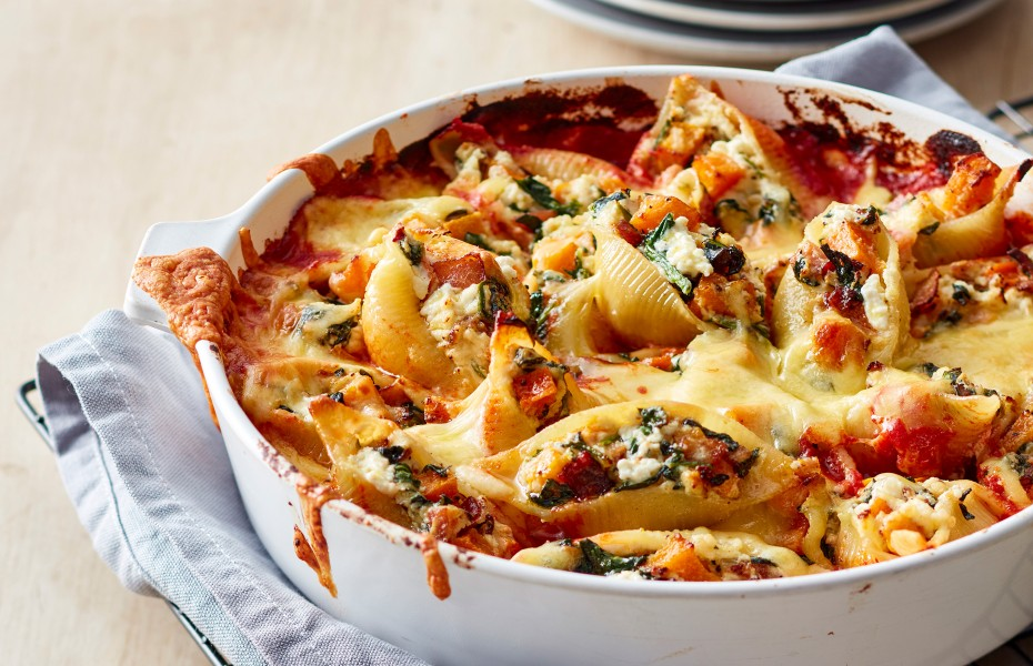 Cheesy Baked Pumpkin, spinach and ricotta stuffed shells