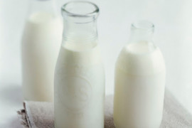 What's the difference between full-cream, low-fat and skim milk?