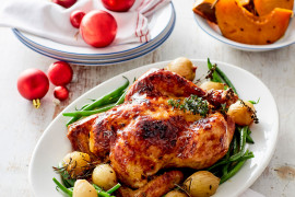 With Christmas just over a week away, check out these easy last-minute Christmas recipes that can be whipped up in with a little effort. Recipes including easy appetisers, roast chicken or roast pork with best crackling for mains as an alternative to turkey, simple sides, vegetarian mains and stunning christmas desserts.