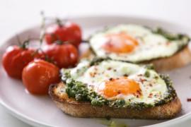 How to make pesto eggs (from TikTok)