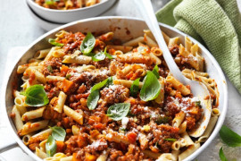 healthy beef and lentil bolognese with penne