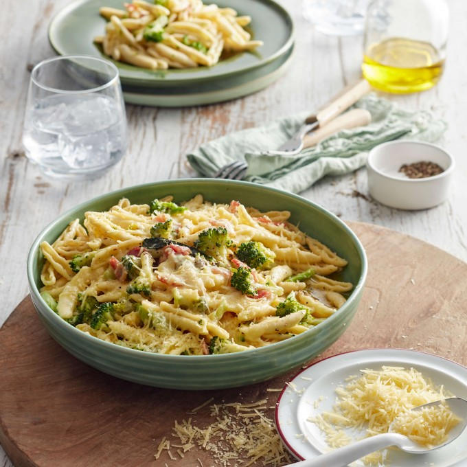 Pasta with bacon broccoli and parmesan recipe