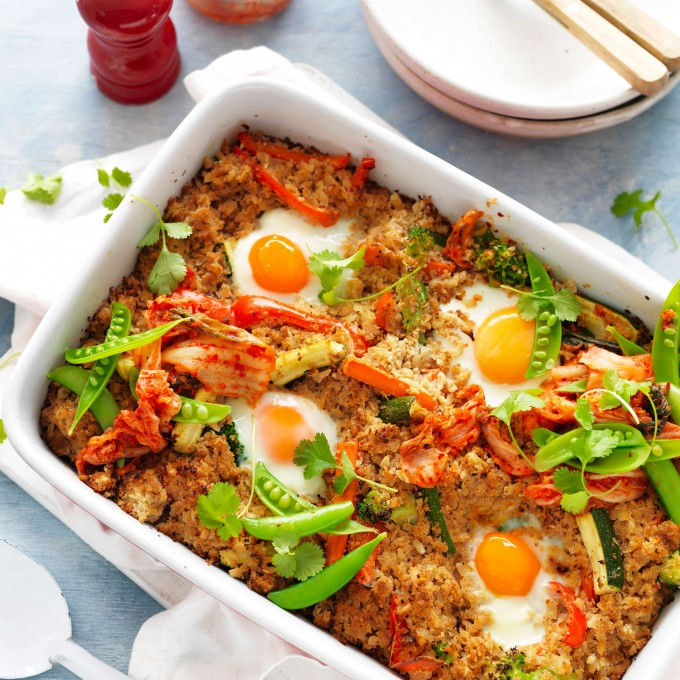 Cauliflower fried rice with kimchi and eggs