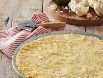 Keto pizza dough. Cauliflower pizza crust recipe