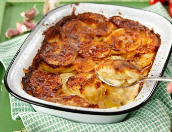 Potato Bake with Creamy Sauce