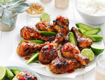 This easy Indonesian chicken drumsticks recipe is a delicious dish to serve to guests at your next dining occasion.