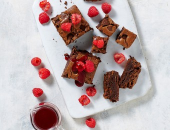 Chocolate Brownies with Raspberry Sauce KitchenAid Cook Processor