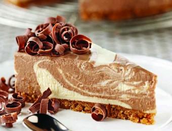 Chocolate and Vanilla Swirl Cheesecake
