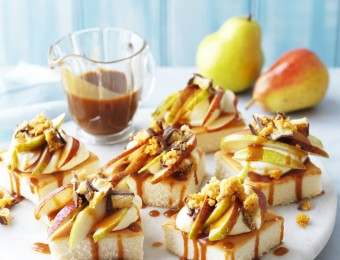 Mini Sponge Cakes with Pears and Salted Caramel Sauce