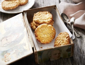 Crunchy Anzac Biscuits