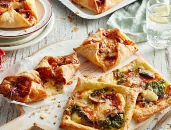 Cheesy pizza puffs recipe