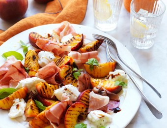 Peach, prosciutto and mozzarella salad recipe