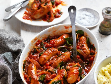 Chipolata Sausages in Tomato, Onion and Spinach Sauce
