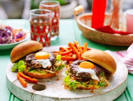 Barbecued burgers with Eggs and herb burger patties