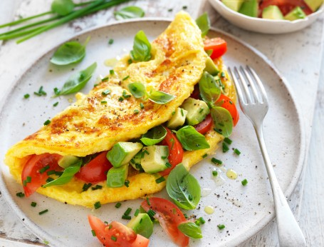 This quick and easy keto dinner recipe of egg avocado omelette is ready in 15 minutes