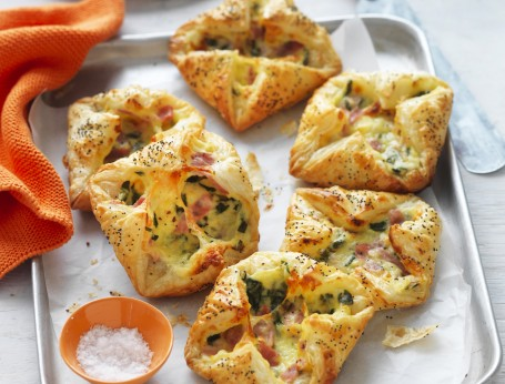 Ham, Cheese and Spinach Puff Pizza Pastries