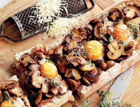 Mushroom, Bacon & Egg Breakfast Toastie