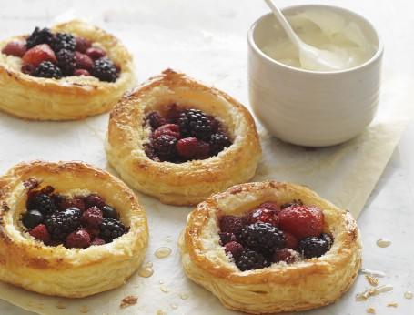 Organic mixed Berry Tarts