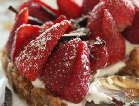 Date, cashew and walnut yoghurt strawberry tart
