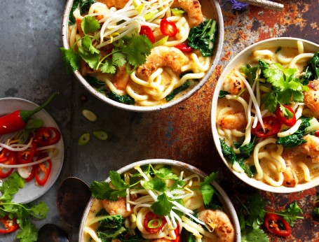 Satay noodle soup with prawns recipe