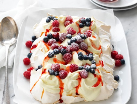 Christmas berry tray pavlova recipe