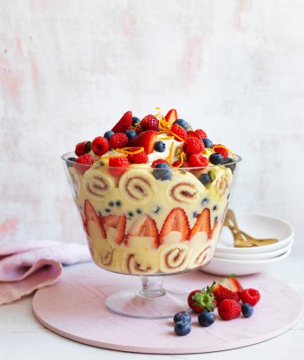 Christmas desserts don't get better than this easy trifle recipe. Using a basic custard recipe, bought jam roll and berries it's perfect for summer entertaining.