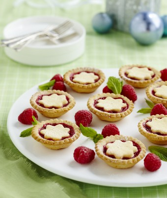 Easy Raspberry Christmas Tarts