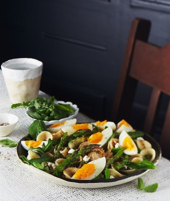 Pasta Salad with Eggs, Peas, Rocket and Asparagus
