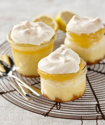 Baked Lemon Meringue Cheesecakes