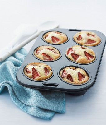 Strawberry and Cream Cheese Friands