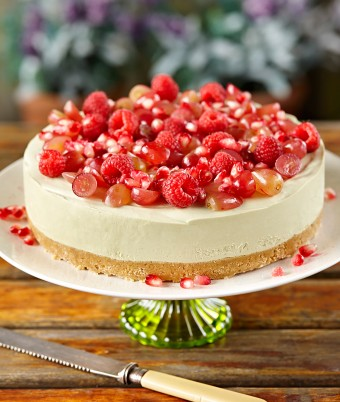 Green Tea Cheesecake with Red Fruit