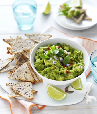 Spicy Guacamole with Bread Crisps