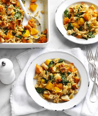 Pumpkin and Spinach Crunchy Topped Pasta Bake