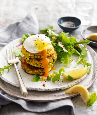 Vegetabe fritters with poached eggs