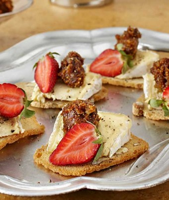 Dried Fig and Ginger Paste canape recipe