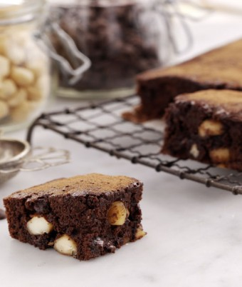 Roasted Macadamia Brownies