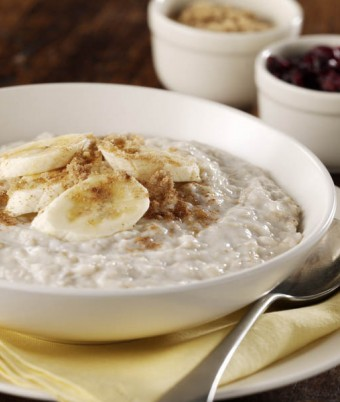 Creamy Porridge With Banana And Cranberry